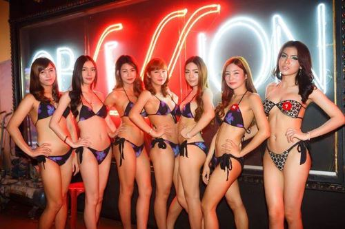 Ladyboy body massage pattaya-6777